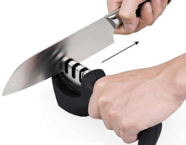 Nová - Brúsič nožov s 3 stupňami ostrenia